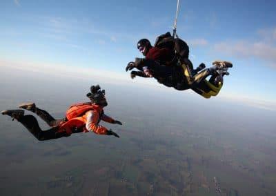 paracadutismo con paracadute tandem